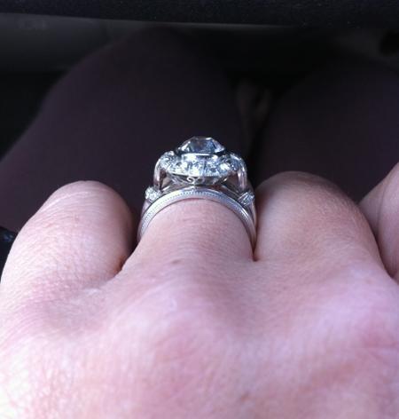 Vintage style diamond engagement ring profile
