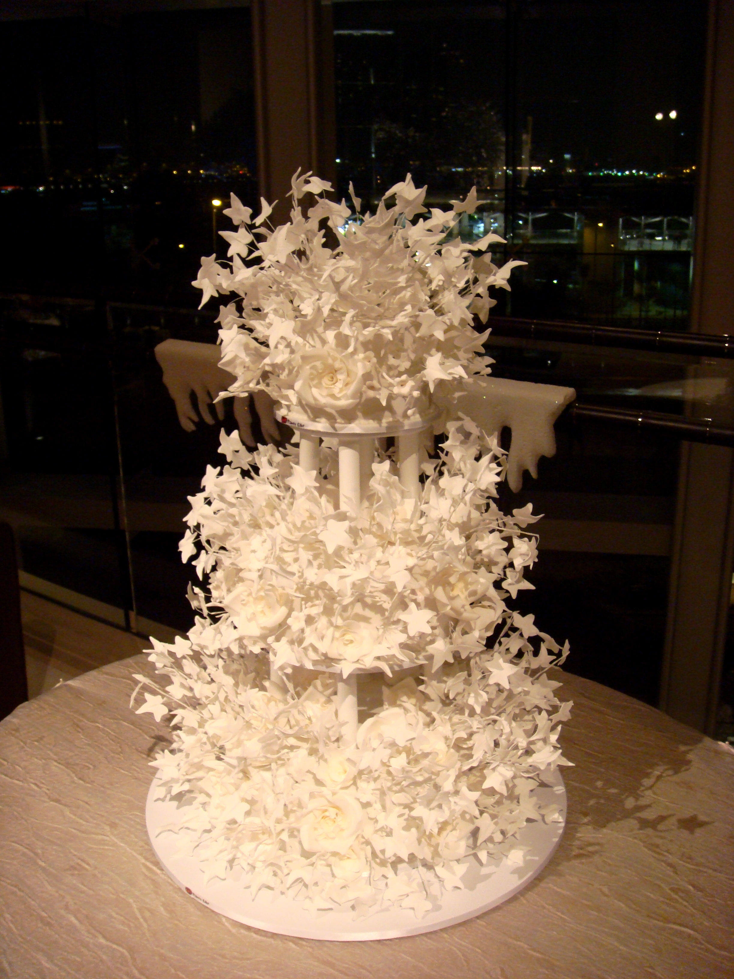 Wedding Cake By dion gillard (originally posted to Flickr as Amazing Cake...) [CC BY 2.0  via Wikimedia Commons]