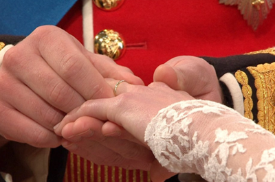 Prince William puts ring on Catherine Middleton Royal Wedding