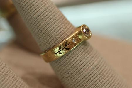 Yasuko Azuma gold diamond ring Couture 2011