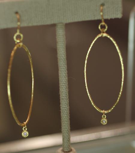 Yasuko Azuma gold diamond earrings Couture 2011
