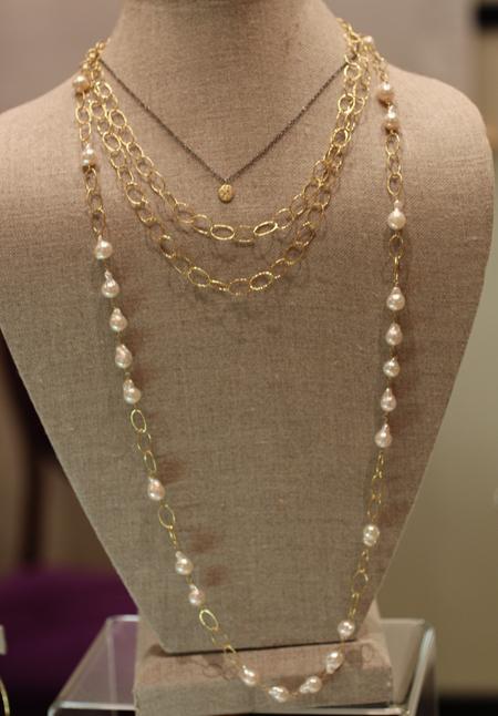 Yasuko Azuma gold necklaces Couture 2011