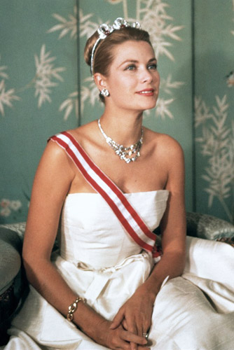 grace kelly wearing cartier jewelry