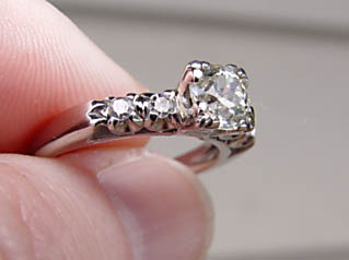 Diamond  Engagement Ring Fishtail Prong Setting