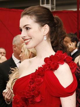 Anne Hathaway Harry Winston earrings