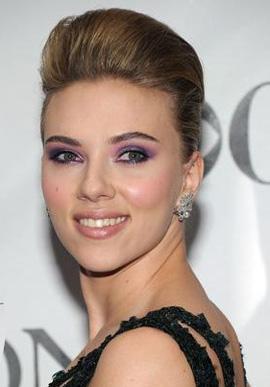 Scarlett Johansson Harry Winston  earrings