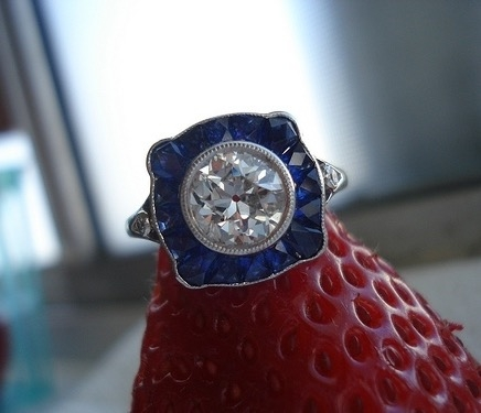 Single Stone OEC with Sapphire Halo