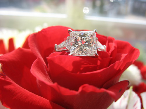 Princess cut diamond ring by Snooper