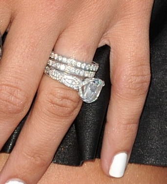 1209729d1285141386-celebrity-engagement-rings-jenna-dewan-tatum.jpg