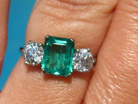 A Green Thread Colored Stones Diamond Jewelry Forum