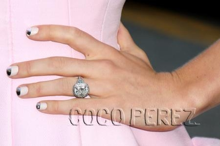 jessica-biel-total-recall-premiere-engagement-ring-1.jpg