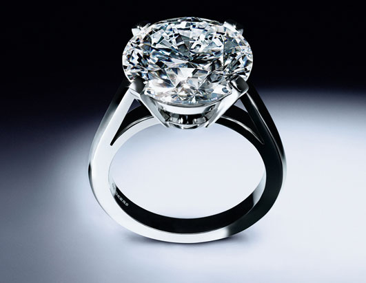 DeBeers_9.05ct-Round-Brilliant-Ring.jpg