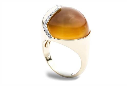 Hydra Smooth Citrine Cabochon Ring - in 18kt Yellow Gold - (0.22 CTW)