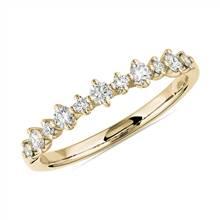 Petite Alternating Diamond Wedding Band in 14k Yellow Gold (1/4 ct. tw.) | Blue Nile