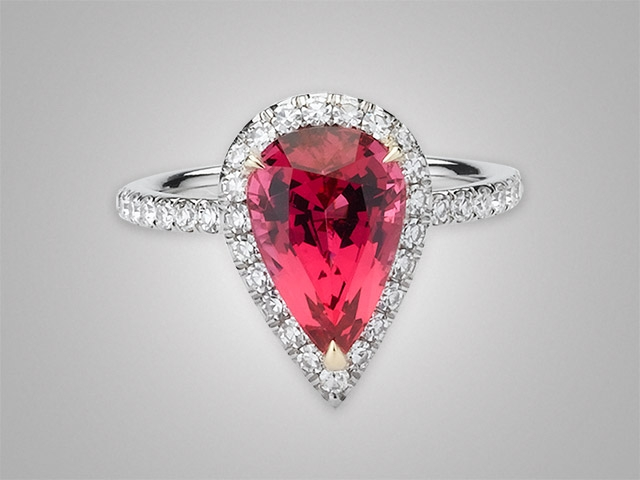 Marvelous Mahenge Spinel in Victor Canera Halo