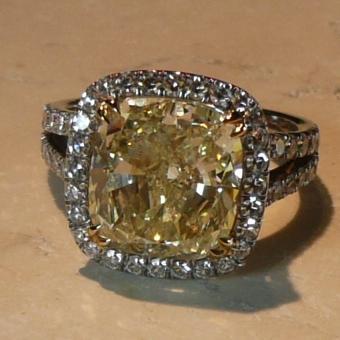 Divine Yellow Diamond
