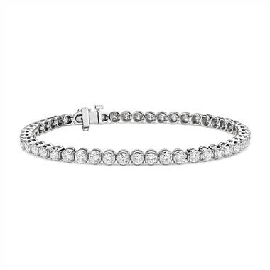 Diamond tennis bracelet set in platinum at Blue Nile