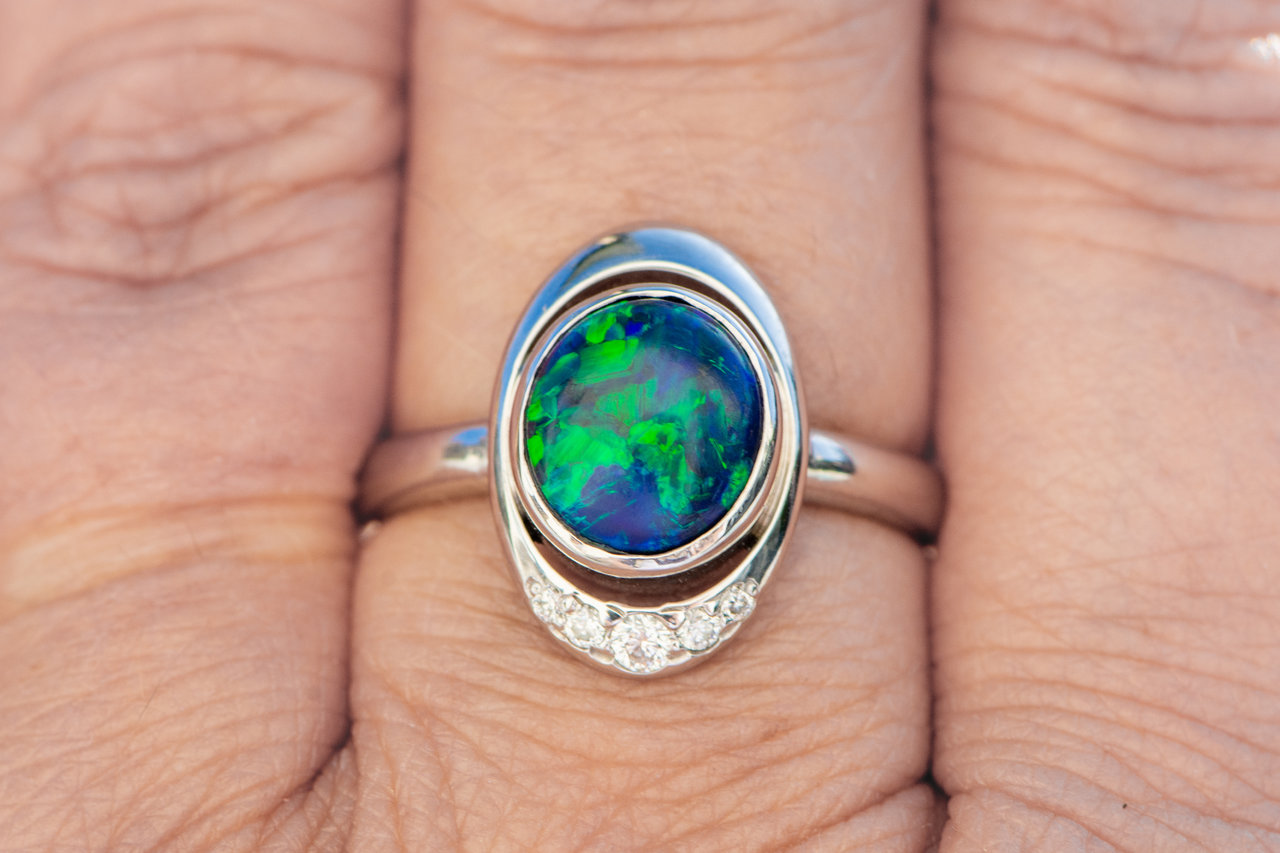 A 2.14 ct Black Opal Cosmos
