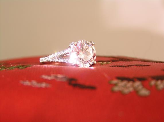 Ravishing Round Brilliant Engagement Ring