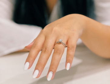 2021 Engagement Ring Trends feature image.