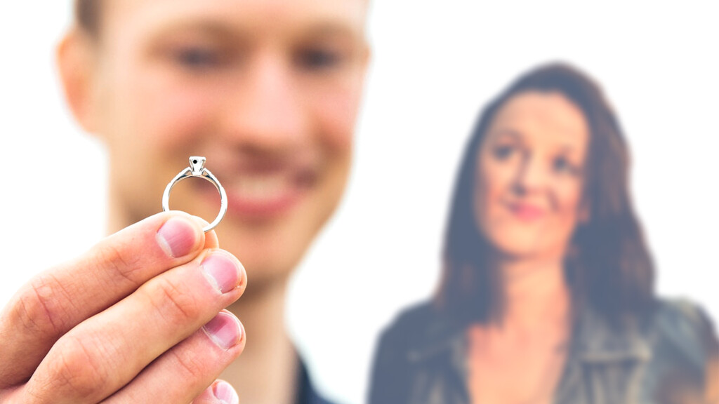 Diamond Clarity - Man and woman who don't seem to agree