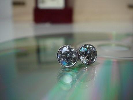 Bezel milgrain Diamond stud earrings