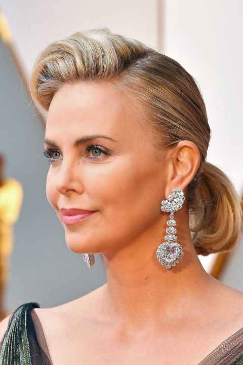 Charlize Theron at the 2017 Oscars.