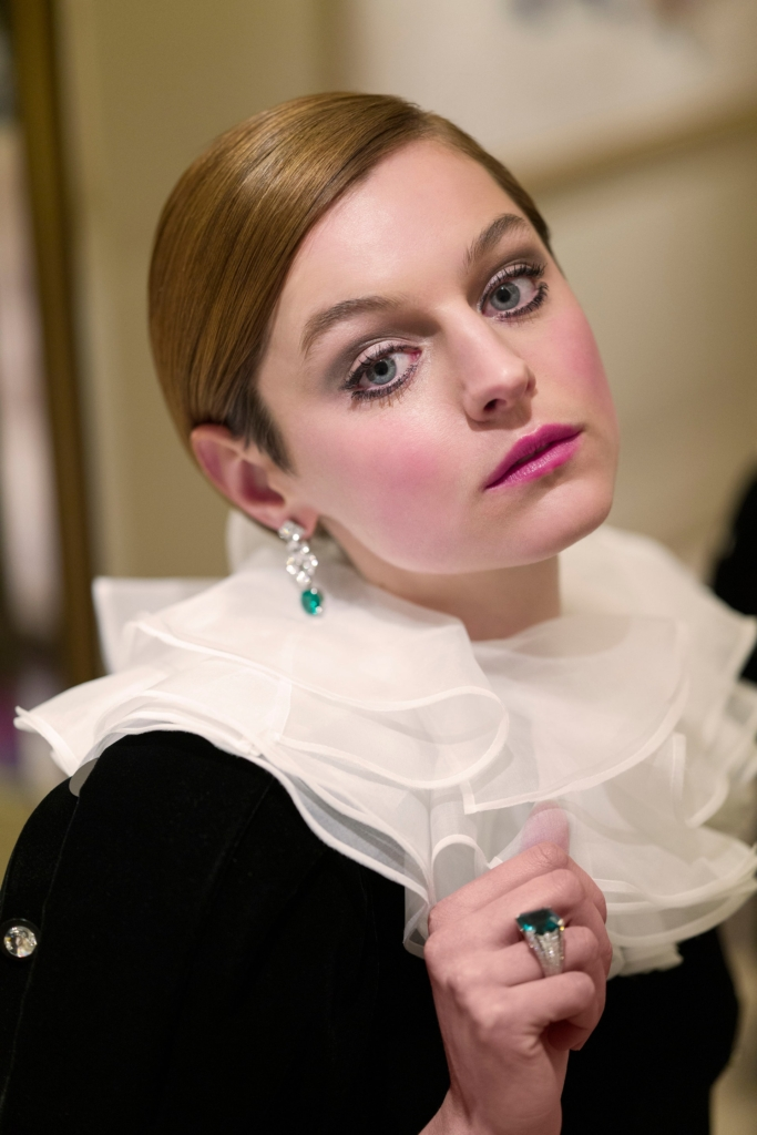 Golden Globes 2021 Jewelry Emma Corrin in Cartier