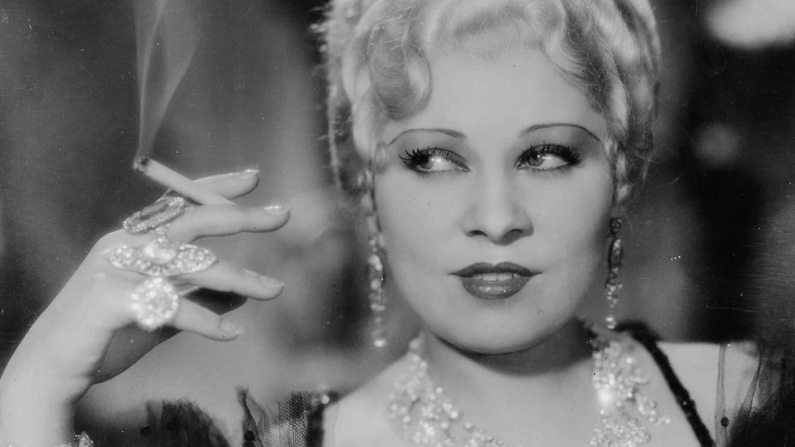 Mae West in She Done Him Wrong 1933 Paramount Pictures