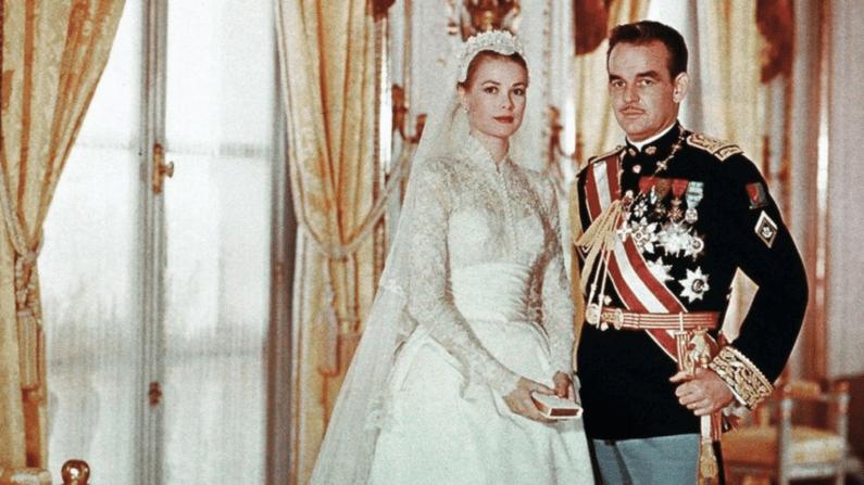 Actress-Grace-Kelly-and-Prince-Rainier-III-of-Monacos-Wedding