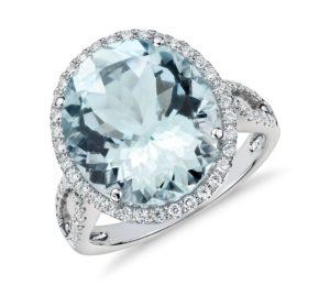 18k gold Aquamarine and Diamond Ring