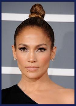 Jennifer Lopez at the 2013 Grammy Awards.