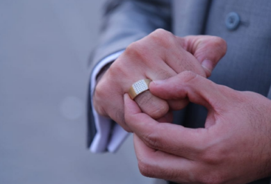 5 Reasons To Design Your Own Custom Engagement Ring blog post.