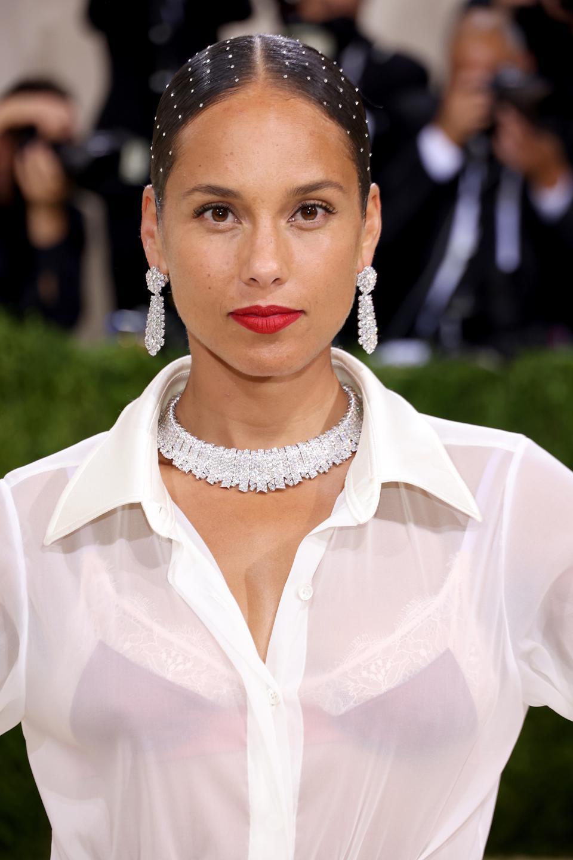 Alicia Keys wearing Van Cleef.